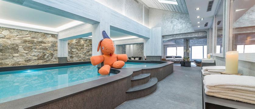 France_Meribel_Hotel-la-chaudanne_Indoor-pool.jpg